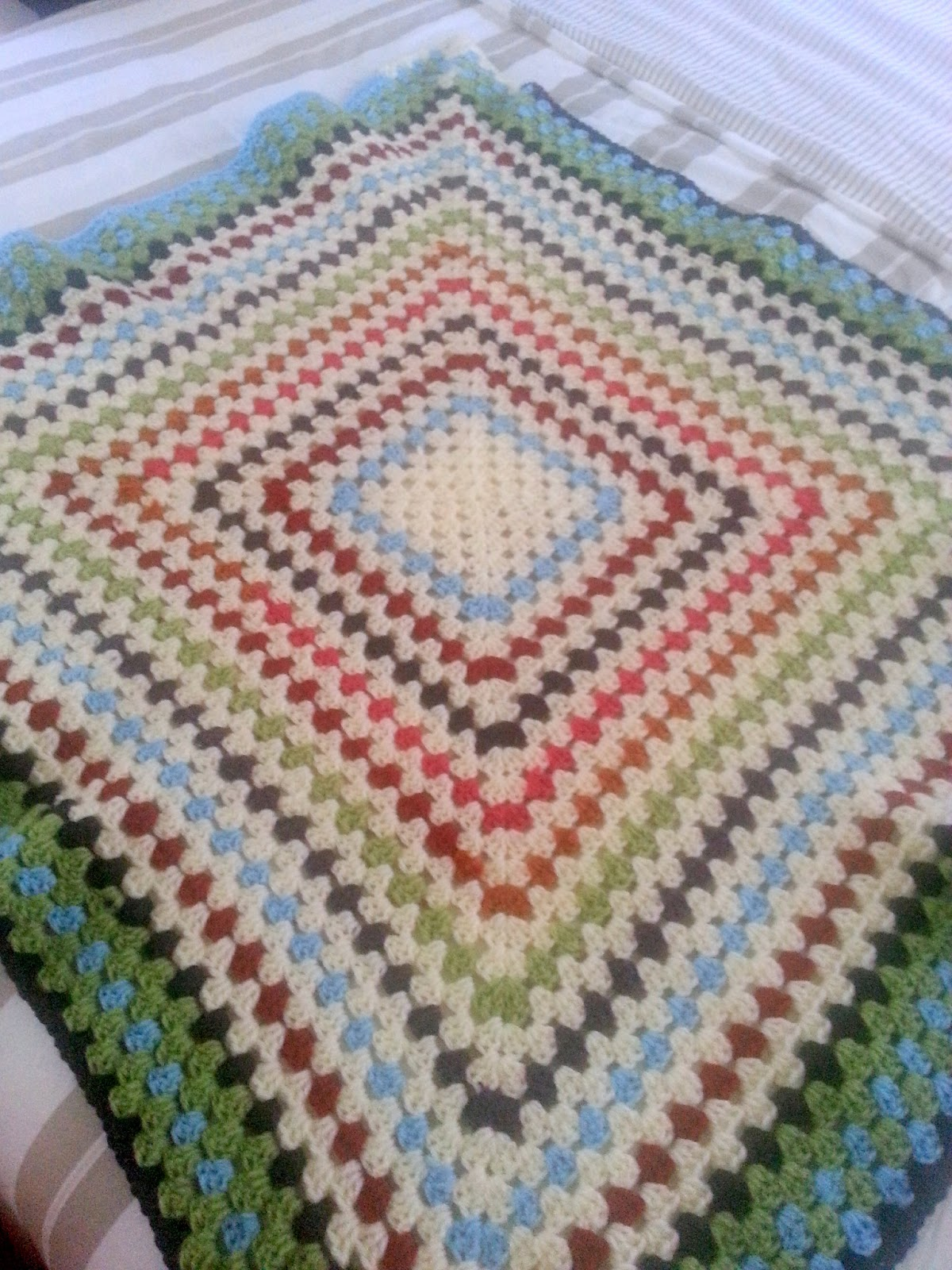 "Granny square crocheted blanket  | *sparklingly | ""Home linens"""