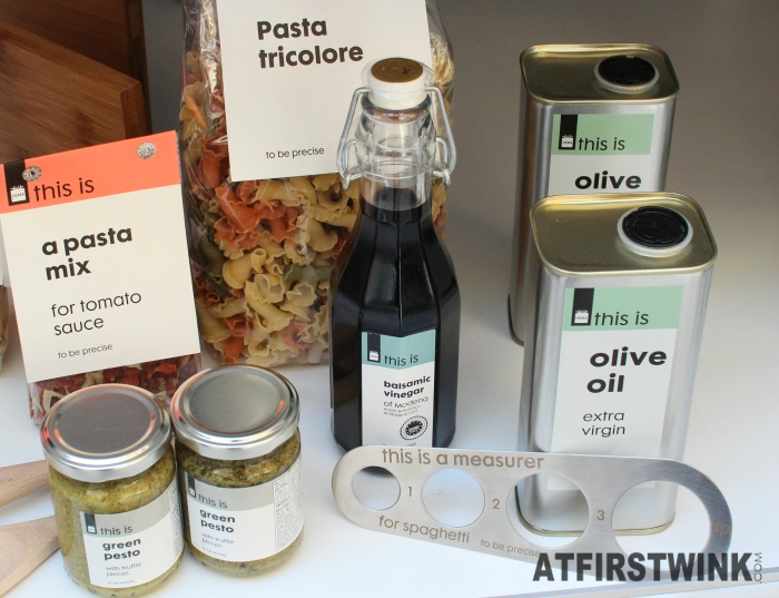 HEMA this is pasta tricolore, pasta mix for tomato sauce, olive oil, balsemic vinegar, green pesto, spaghetti measurer