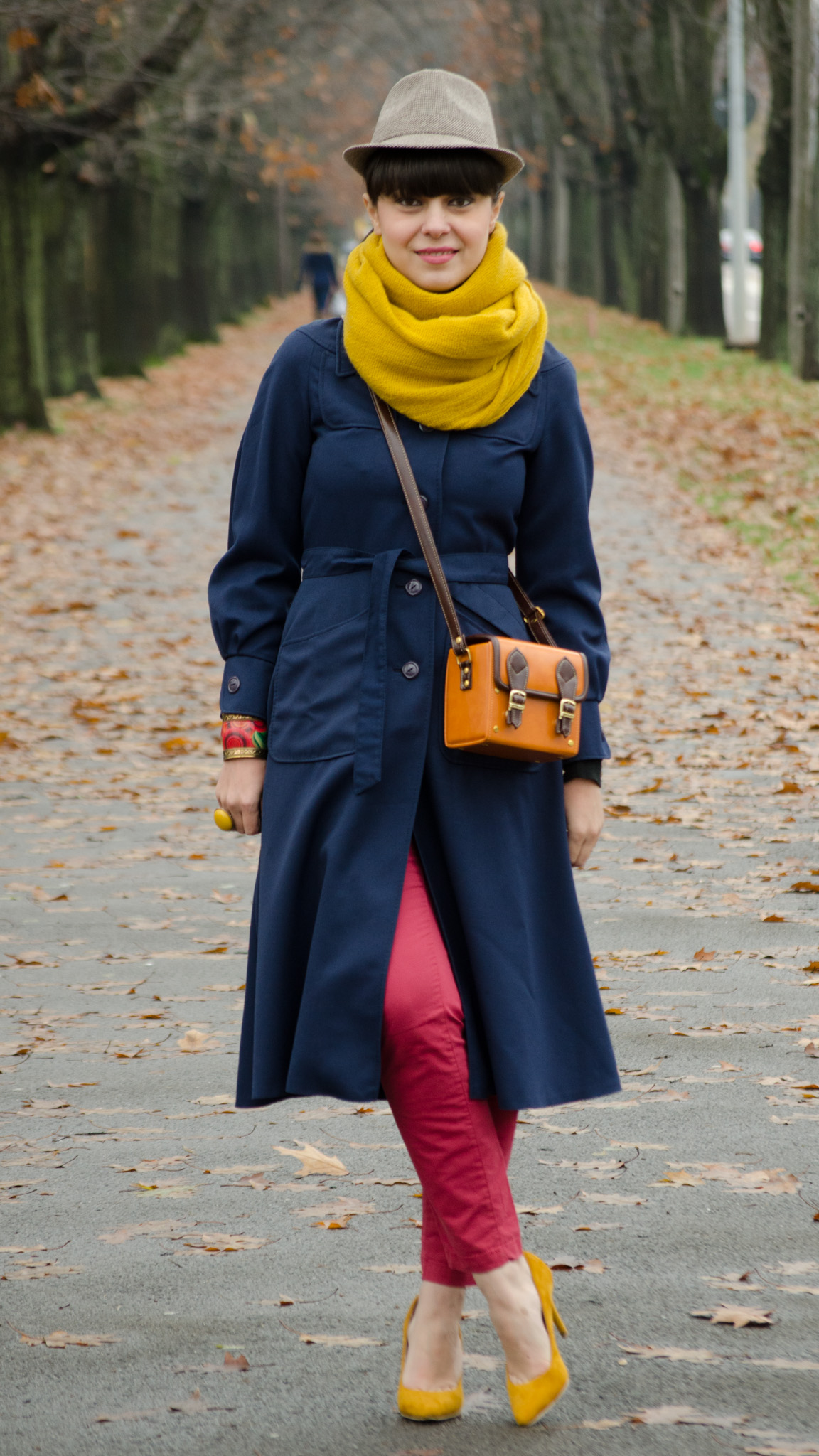 chic navy thrifted coat trench fedora hat h&m burgundy ankle cut pants mustard peoma shoes heels over sized scarf box bag satchel black turtleneck autumn fall bangs