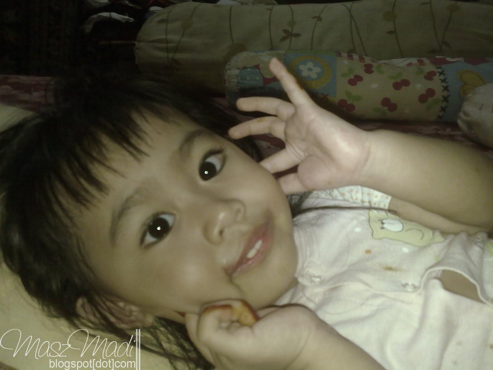 Inai Di Jari Si Blogger Mama