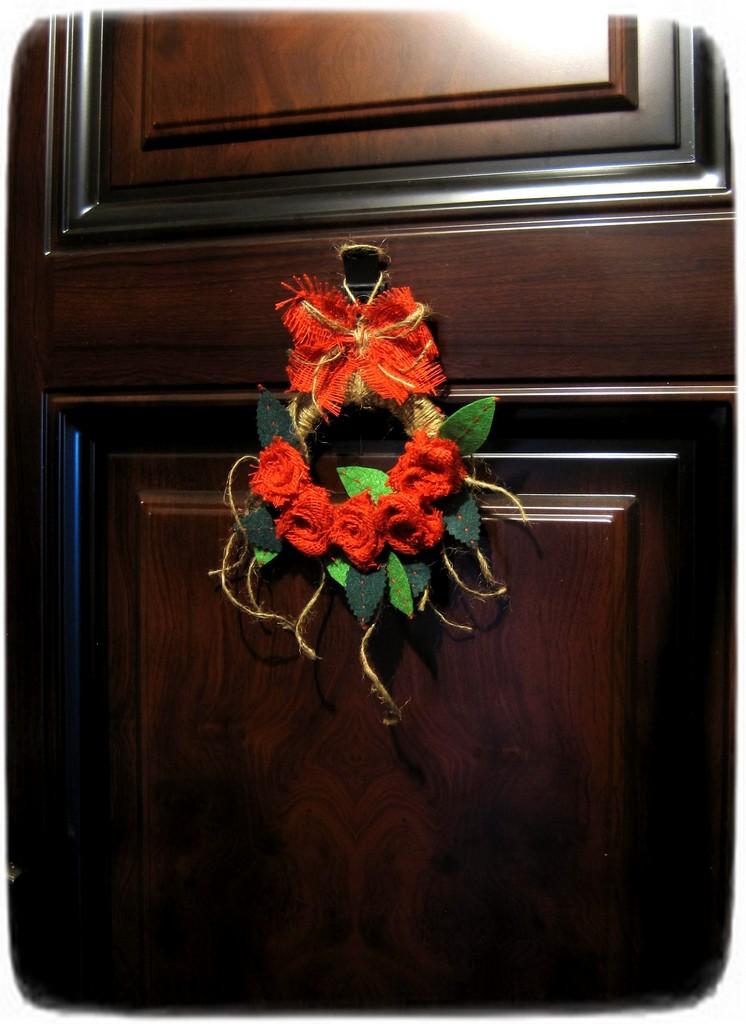 рождественский венок на дверь своими руками из натуральных материалов