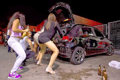 Cerco aos pancadões de rua em São Paulo : Carro com som alto  será multado em R$ 1.000,00