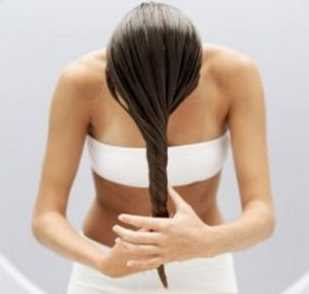 impacco per capelli con olio di jojoba, capelli più lucidi e morbidi