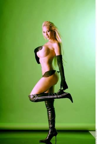 shy nude skinny girl