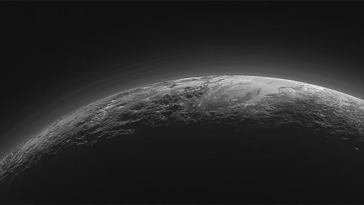 Sorprendente parecido entre Plutón y la Tierra.