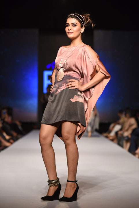 Sonya Batla, Collection Fashion Week 2015, Pakistan Fashion Week, Designer Collection, TFPW15, Telenor Fashion Pakistan Week, Spring Summer 2015, ss15, trends of 2015, fashion week, fashion show in Pakistan, Fashion addiction, Lawn season, Al Karam lawn, fashion blogger, Hot Pakistani Models, redalicerao, red alice rao, Fashion Pakistan Council, Pakistan fashion, Luxury Pret, Pret a porter