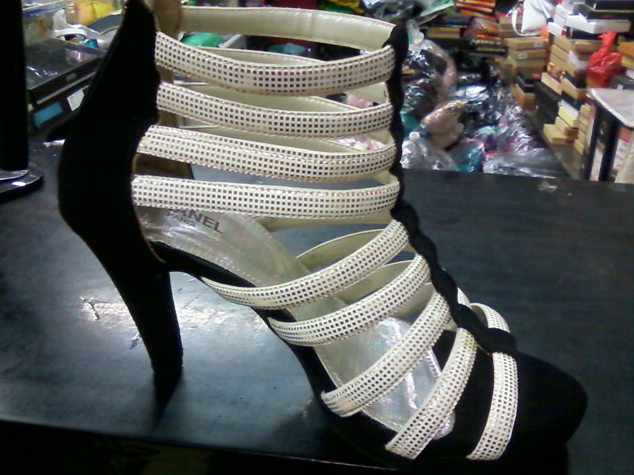 hasil sepatu buatan kami (beda tinggi hak dan bahan tali krn sesuai