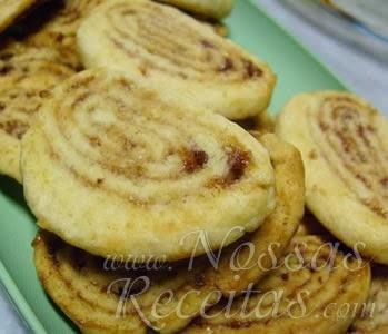 receita de biscoito preparado com geleia