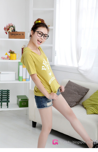 3 Wu Pei Ru - Fresh green-very cute asian girl-girlcute4u.blogspot.com