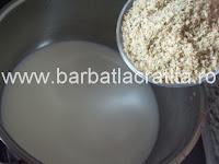 Prajitura negresa cu nuca si crema preparare reteta