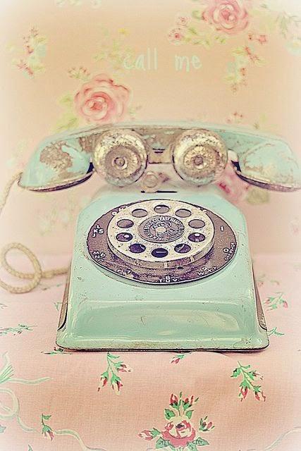 Niedzielne inspiracje - stare telefony
