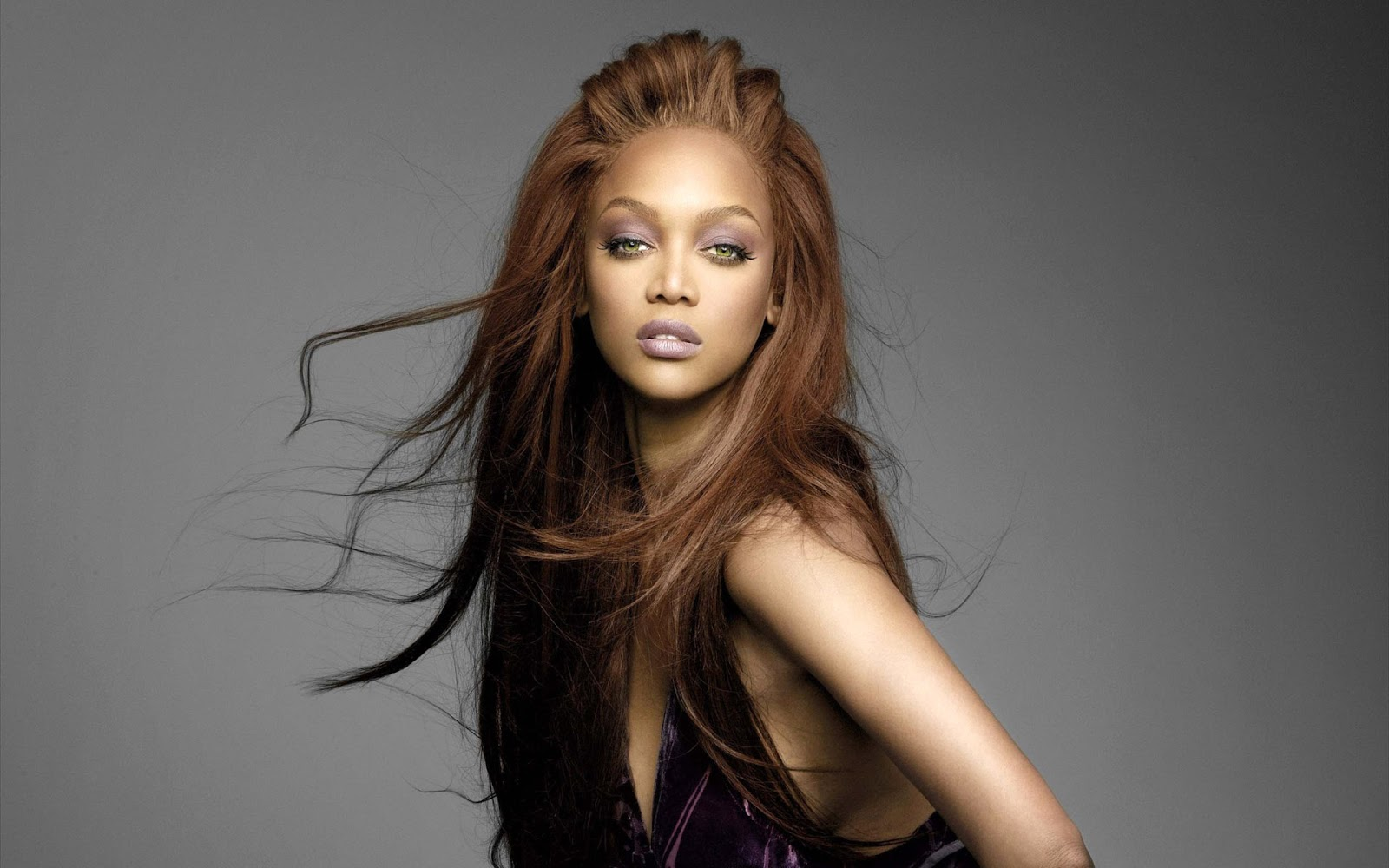 Hollywood actress wallpapers Tyra Banks hd wallpapers