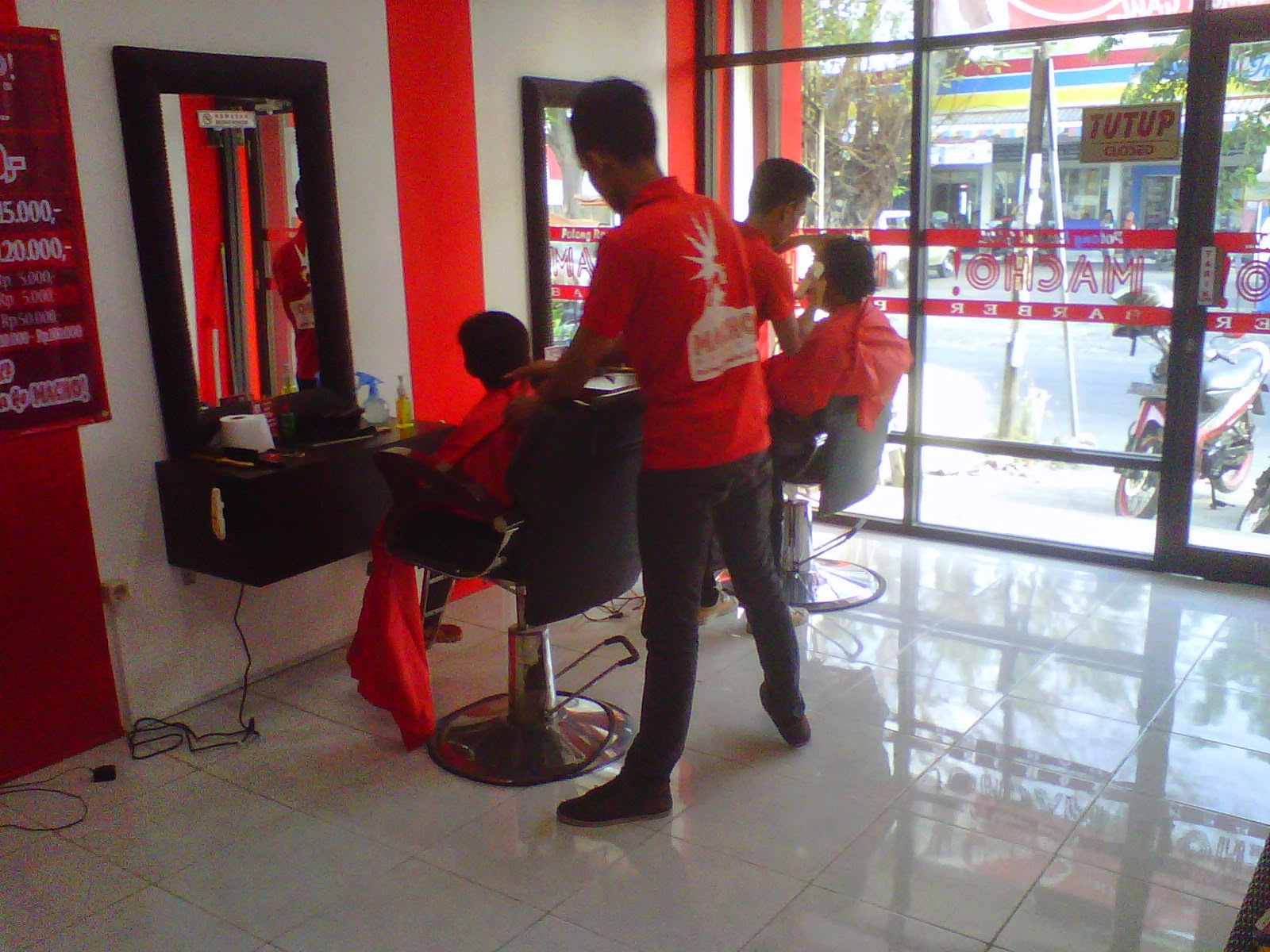 MACHO! BARBER