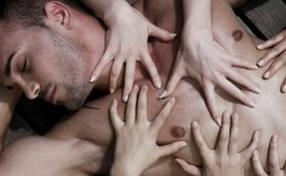 Fakta Unik Plus - Tidur Tengkurap agar Mimpi Erotis