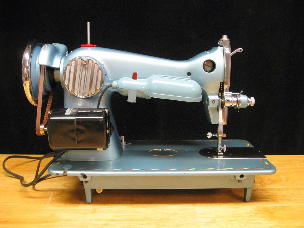 Machine à coudre vintage toyota