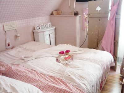 Heavens rosé Cottage: Juni 2011