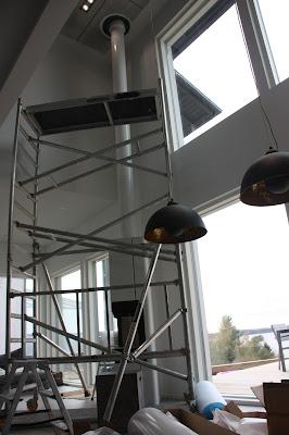 Kuuteen metriin kohoava Premodul-hormi vaati telineet asennukseen