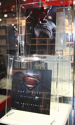 Square Enix Play Arts 2013 Toy Fair Display - Man of Steel