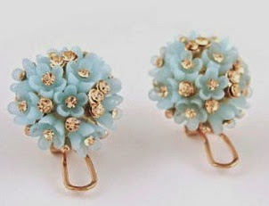http://www.dresslily.com/pair-of-romantic-diamante-colored-flower-embellished-stud-earrings-for-women-product571106.html