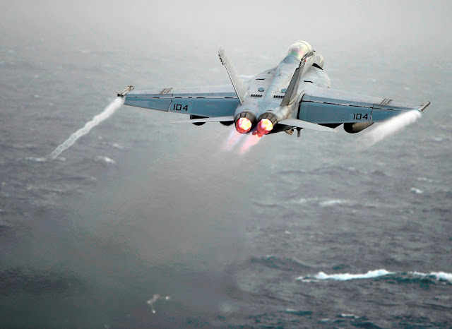 f18 super hornet afterburner
