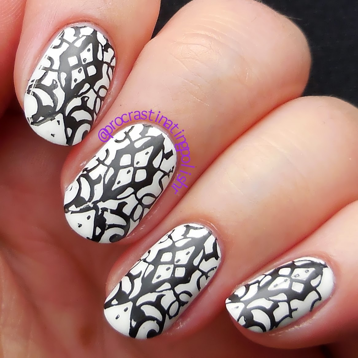 Black & White stamped nail art Emily de Molly EDM09 31DC2014