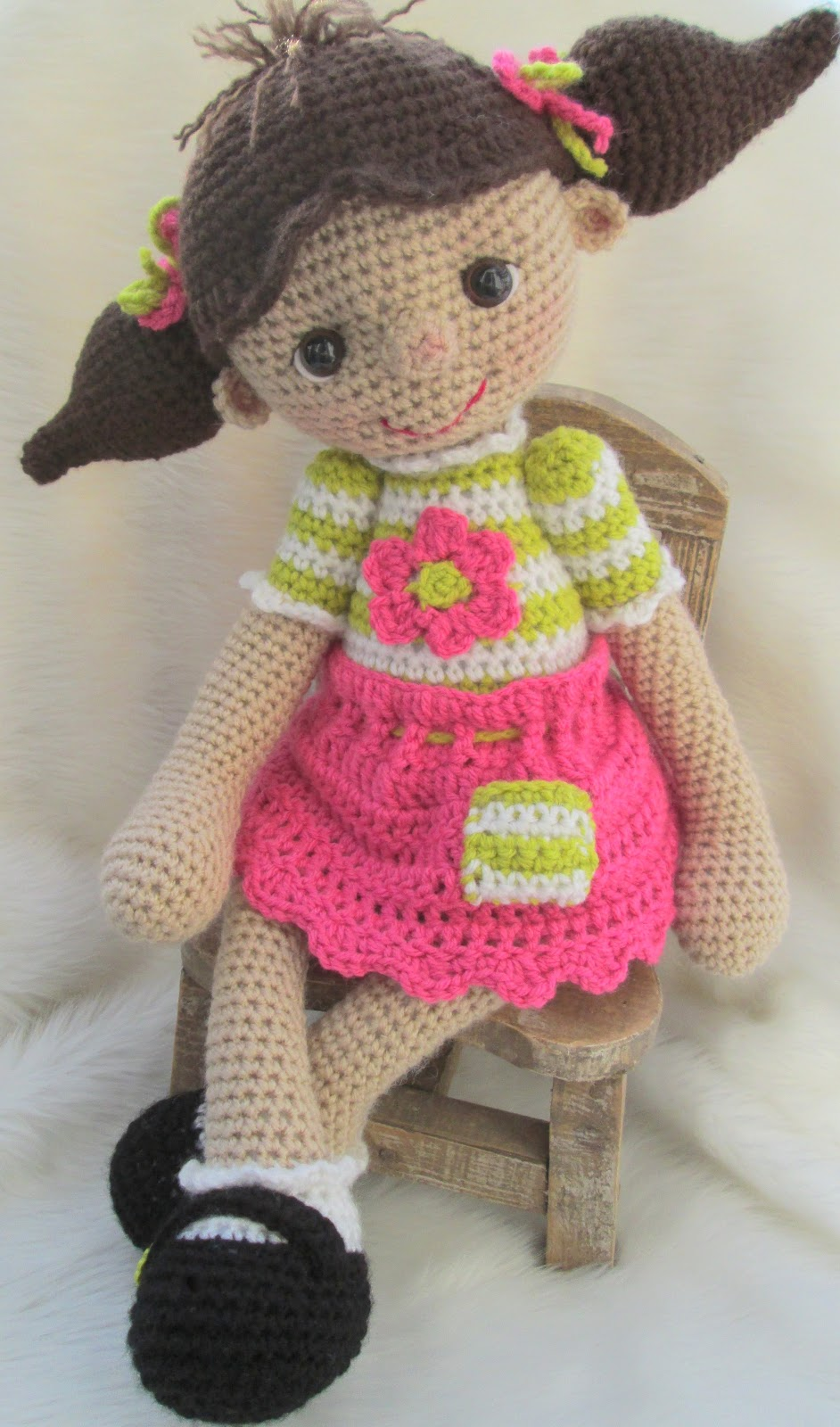 Crocheting Dolls : Image Cute Crochet Doll Pattern Download