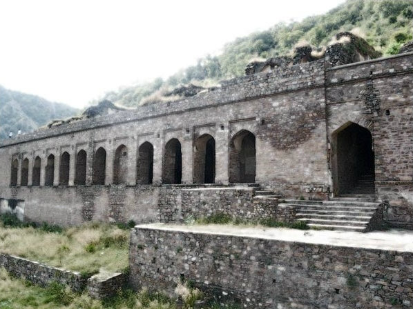 Bhangarh Fort Close View