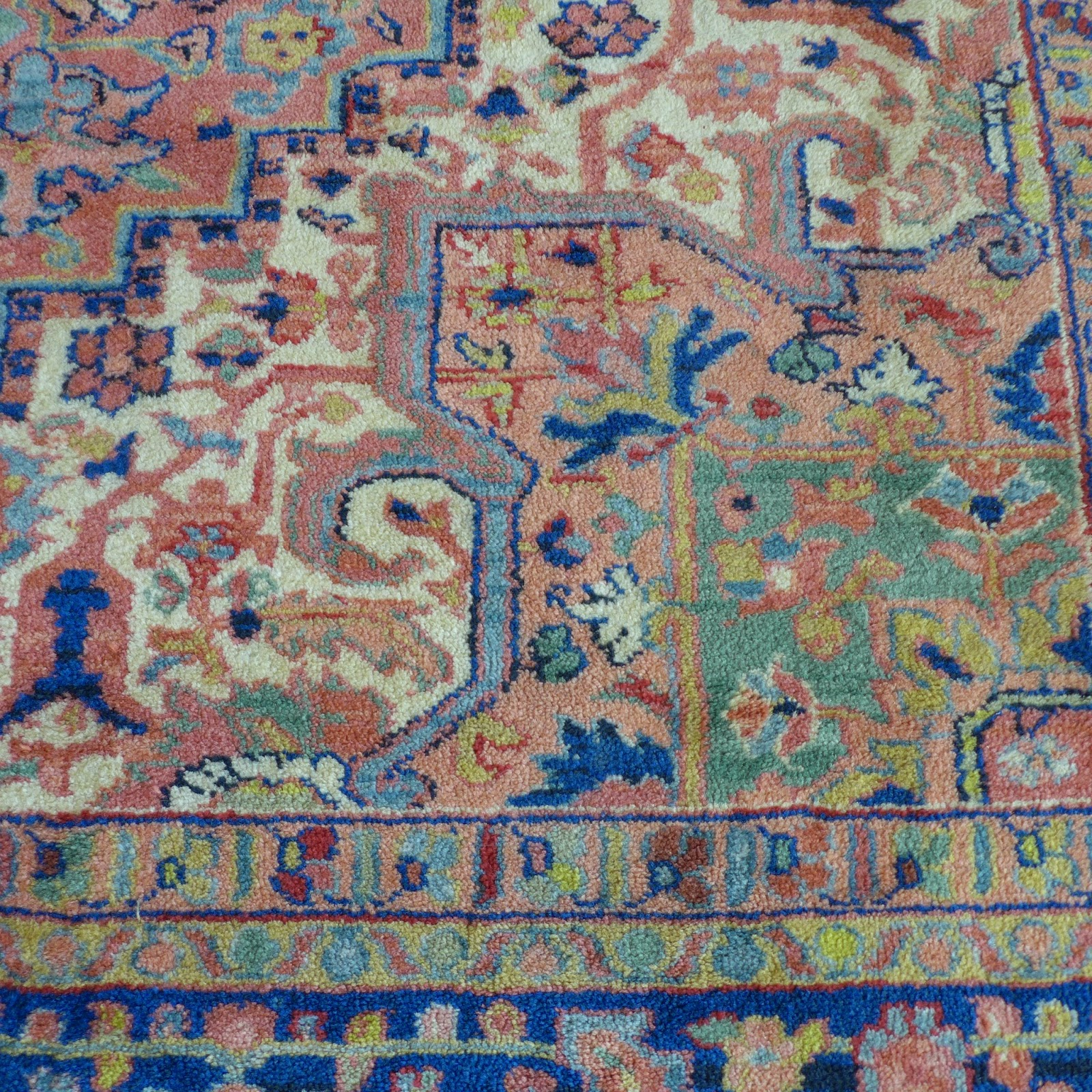 Lisa Moves: Persian Rugs: My Heriz Obsession