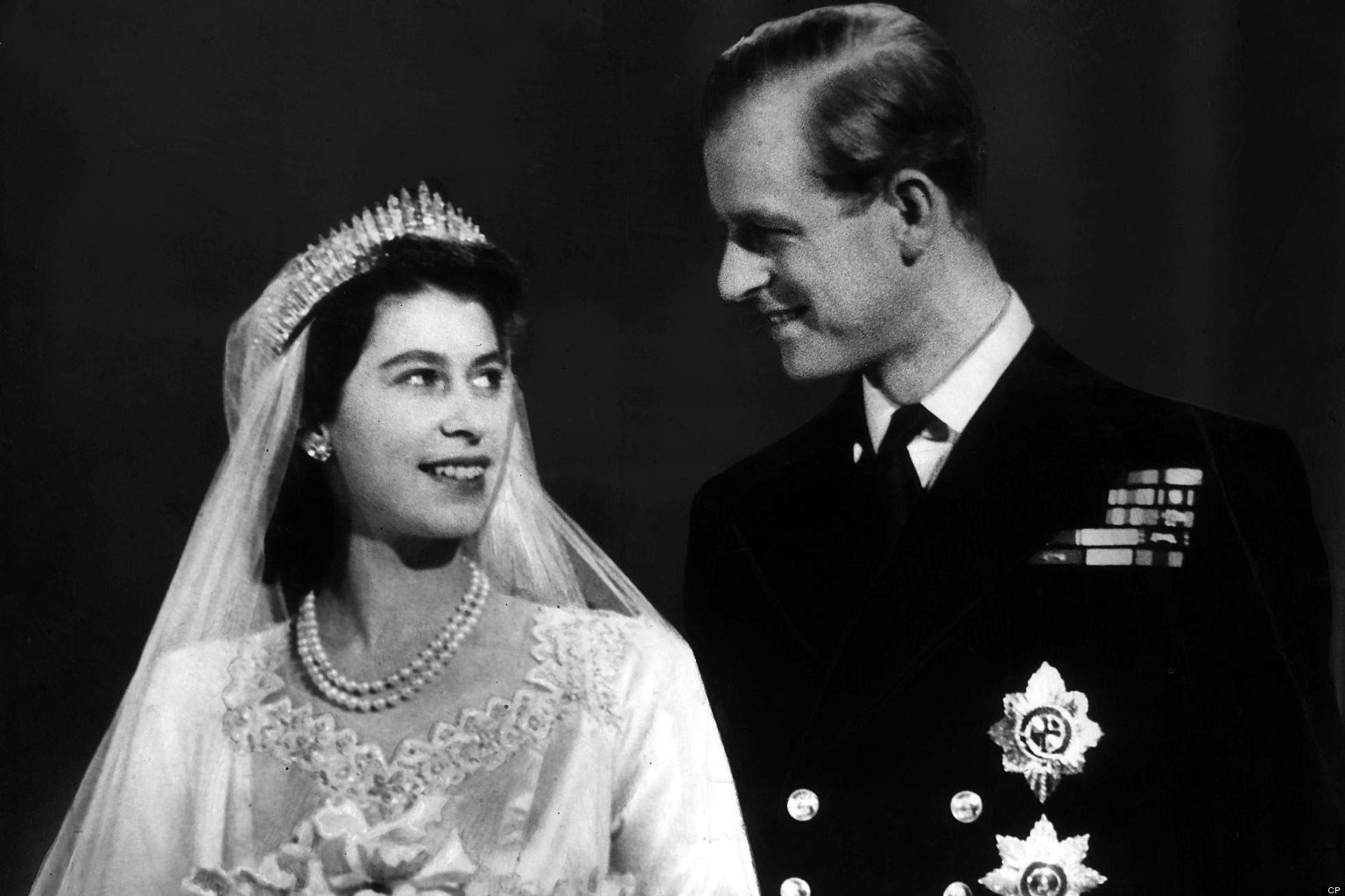 Retro kimmer 39 s blog princess elizabeth married philip - Divano philip art nova ...
