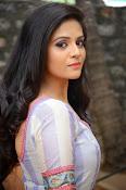 sri mukhi latest glamorous photos-thumbnail-5