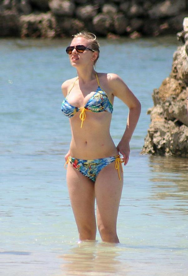 download free mp3 songs and wallpapers 50 bikini celebs