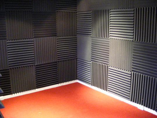 C mo instalar espuma ac stica en nuestro hogar construya f cil - Aislante acustico para paredes ...