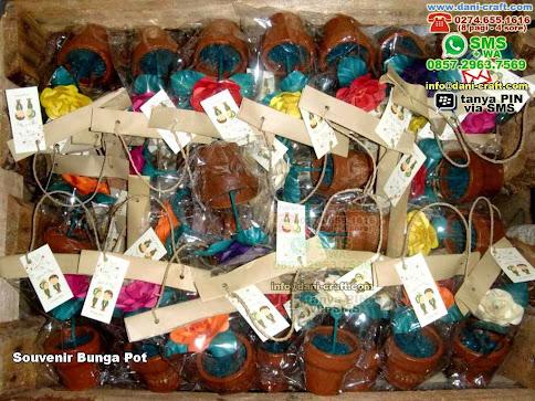 Souvenir Bunga Pot Clay Yogyakarta