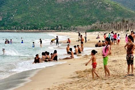 Bãi tắm đảo Cô Tô