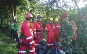 Tim Evakuasi Korban Pesawat Sukhoi Superjet 100 Berharap Cuaca Tetap Normal.