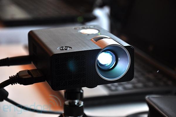 Проектор для ноутбука  видео