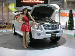 The luxury Isuzu MU-7 cars Show in Auto Showroom This Car prices is Rs