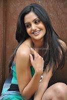 Gauri, sharma, hot, cleavage, photos