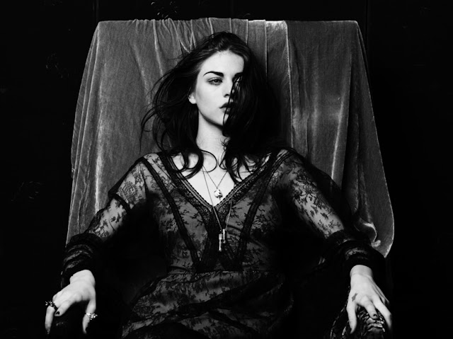 frances_bean_cobain_wallpapers_oktober_2011_243243