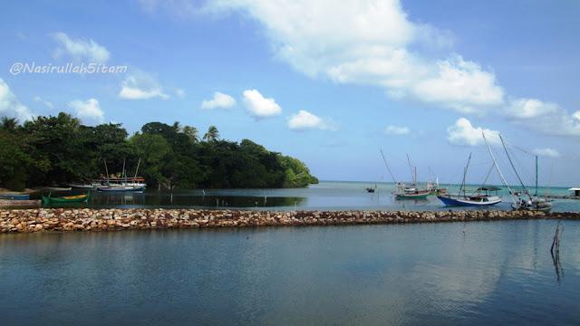 Pelabuhan Mrican dikala pagi hari