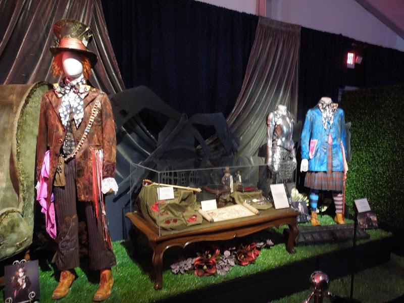 Alice Wonderland costumes props
