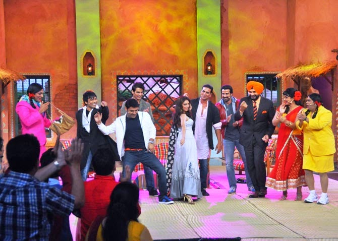 Akshay Kumar, Ronit Roy, Shiv Pandit and Aditi Rao Hydari in Comedy Nights with Kapil - Video