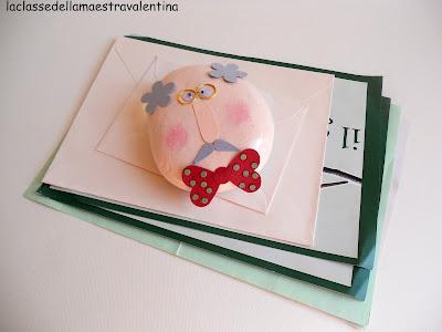 La classe della maestra valentina un ferma carte per il nonno for Maestra valentina accoglienza
