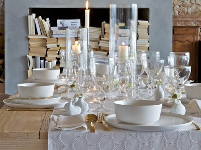 chic provence provence inspired christmas tables. Black Bedroom Furniture Sets. Home Design Ideas