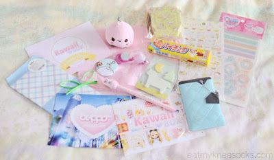 In the March 2015 Kawaii Box were 12 items, along with a handwritten thank-you note.