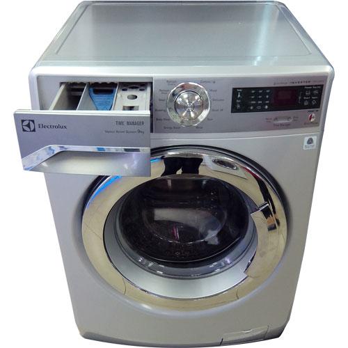 Đặt máy giặt thật bằng so vói mặt đất.