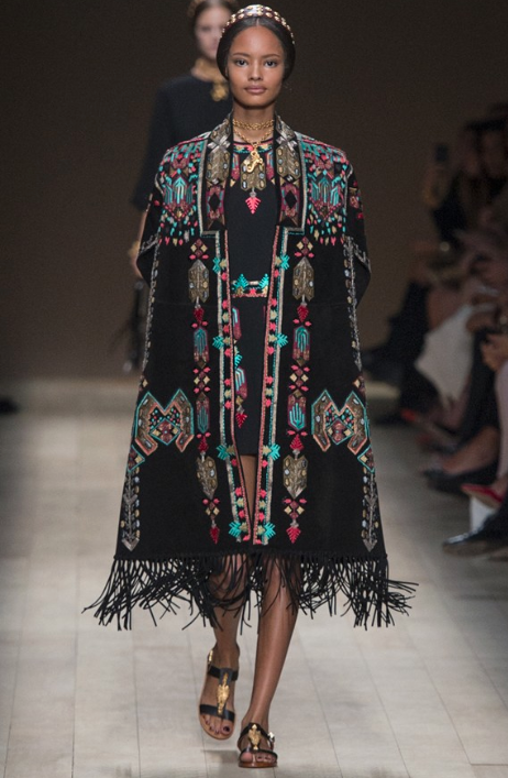 k-fashion-clothing-valentino