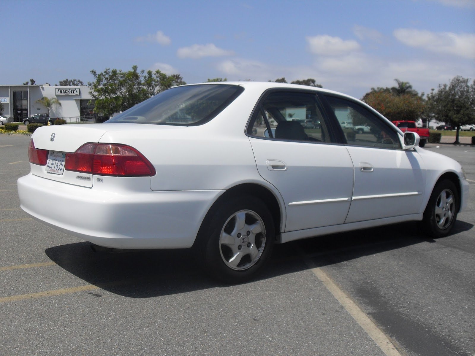 2000] Honda - Accord EX (White)