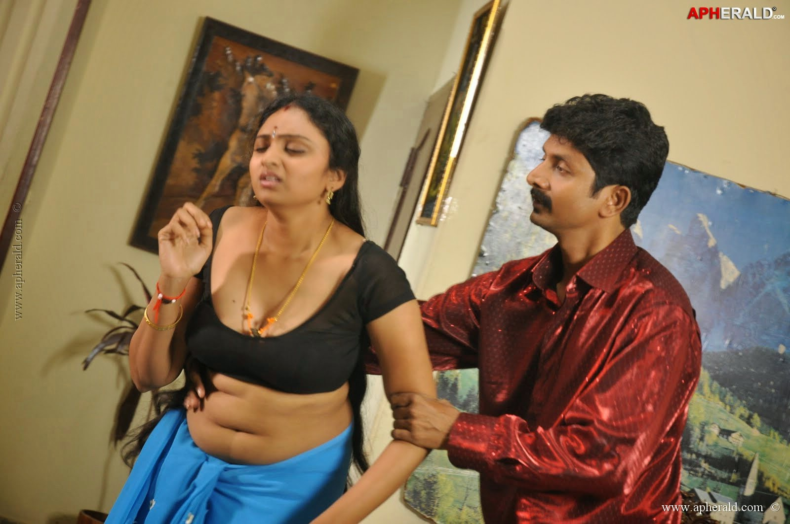 Hot movie anagarigam tamil