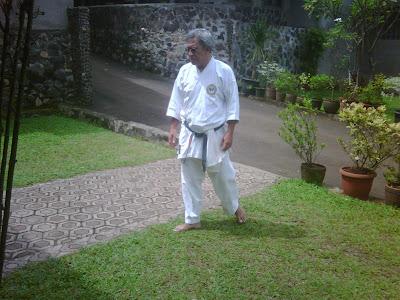 iwan fals mbaktini.blogspot.com
